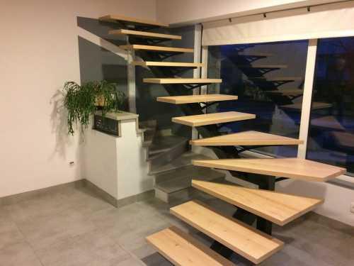 escalier-quart-tournant-showroom.jpg