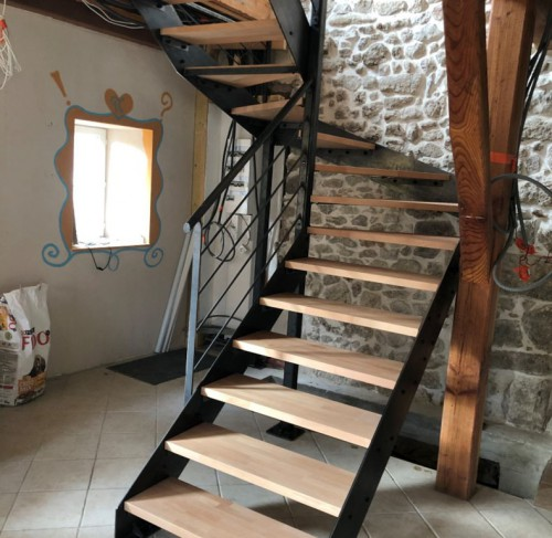 escalier_deux quart_tournant_ acier_bois.jpg