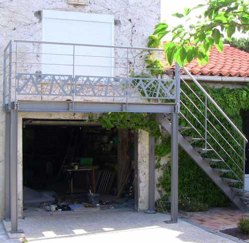 terrasse-sur-poteaux-acier.jpg