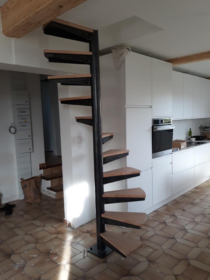 Escalier metal hélicoïdal
