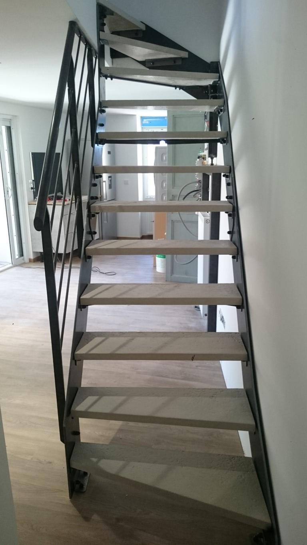 Escalier quart tournant limons latéraux