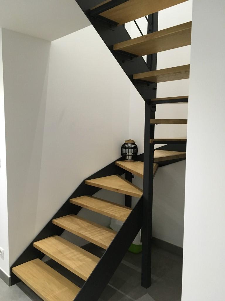 Escaliers limons latéraux moderne style industriel