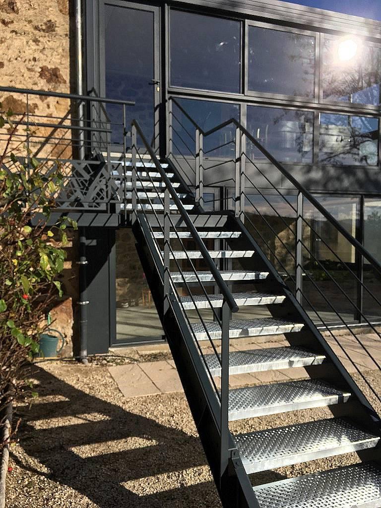 Escaliers limons latéraux extérieurs