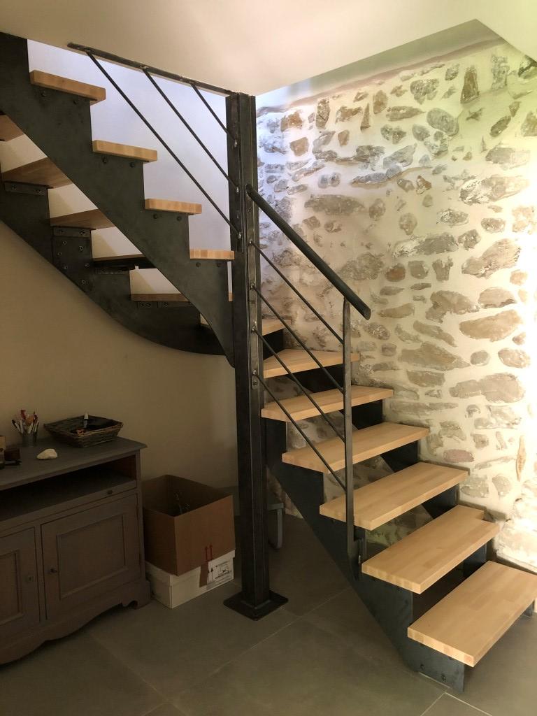 escalier acier marches bois