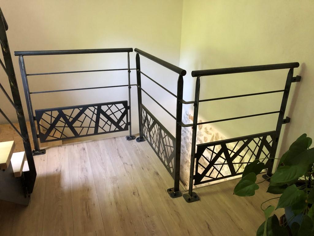garde corps escalier acier