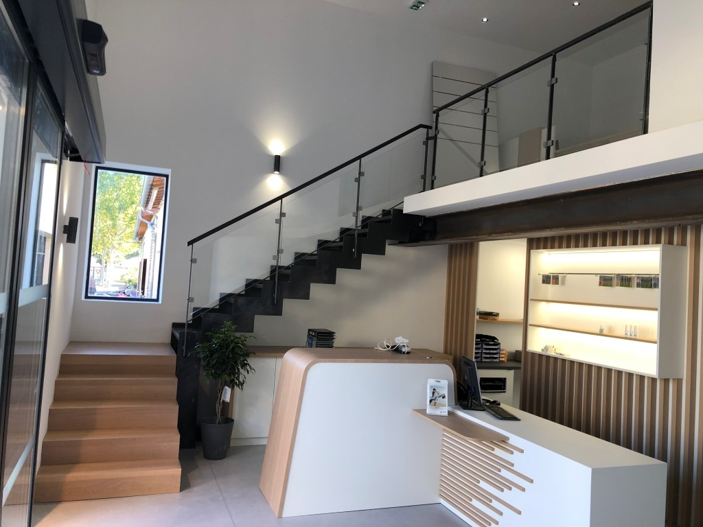 escalier-decoratif-magasin
