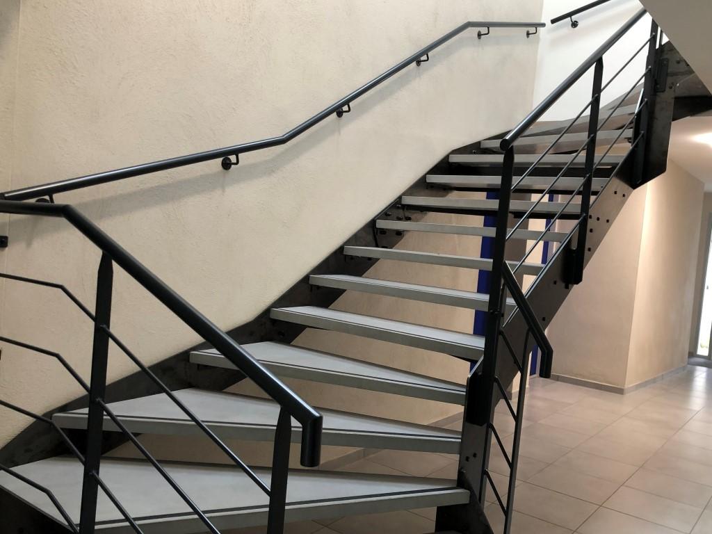 escalier moderne en metal