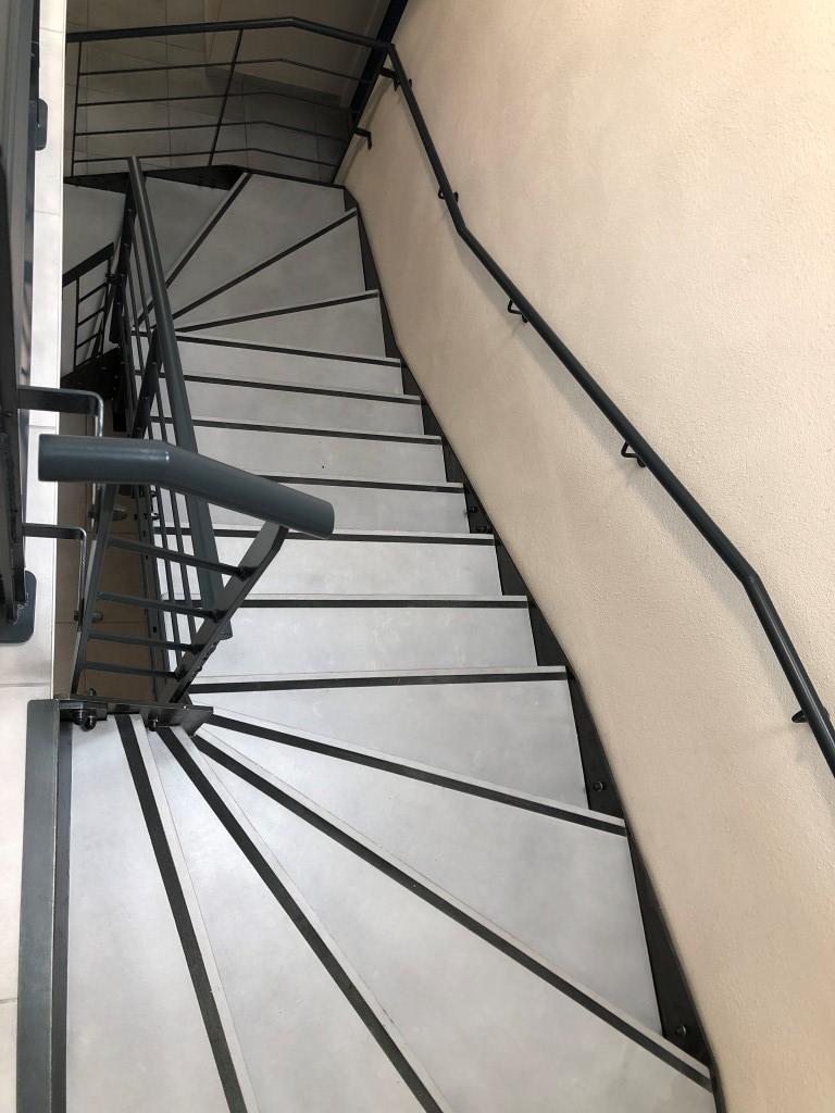 escalier aux normes logemement collectif